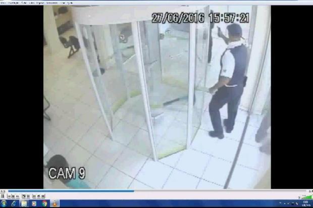 Vigilante que matou cliente em agência bancária vai aguardar julgamento em liberdade em Joinville Divulgação/Divulgação