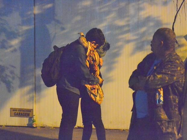 Marcelo Adnet é flagrado trocando carinhos com mulher misteriosa no Rio Webert Belicio / AgNews/AgNews