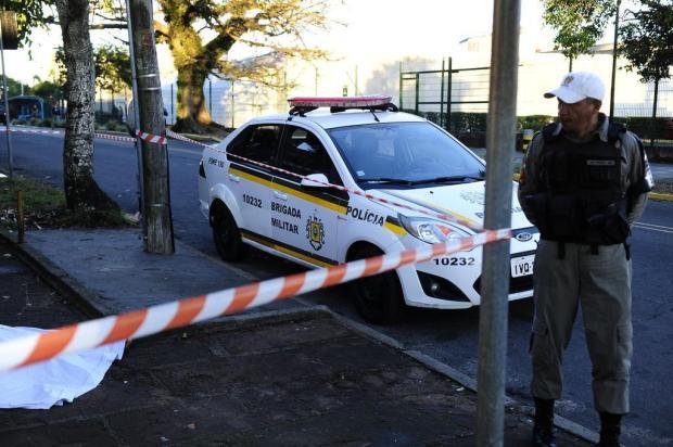 Homem é executado em frente a universidade na Capital Ronaldo Bernardi/Agencia RBS