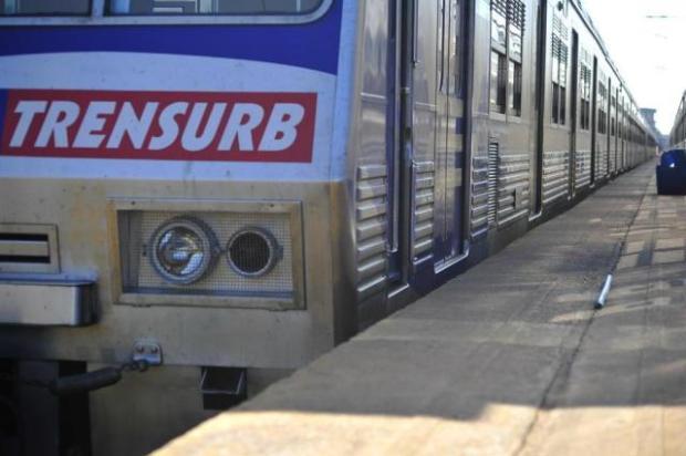 Problema no metrô faz veículos circularem em apenas uma via Tadeu Vilani/Agência RBS