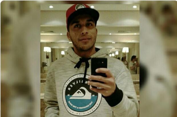 Jovem é morto e outro ferido a tiros em parada de ônibus na Capital Reprodução/Arquivo Pessoal/Facebook