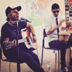 Conheça o jovem cantor que começa a chamar atenção na noite de Porto Alegre Reprodução / Facebook/Facebook