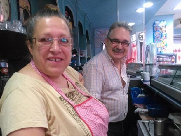 Após 37 anos, casal recupera aliança perdida no mar Reprodução / Facebook/Facebook