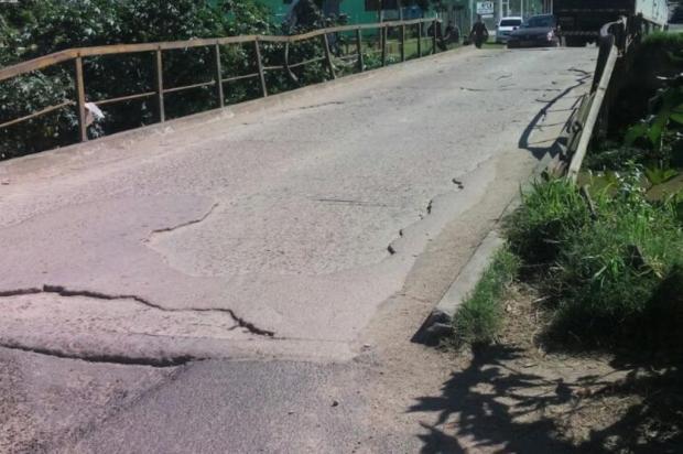 Ponte que liga Porto Alegre a Alvorada representa perigo para pedestres e motoristas Leitor DG/Arquivo Pessoal