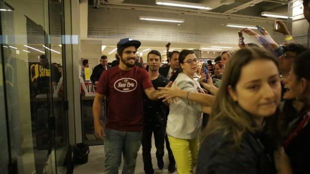Caio Castro lança livro em Porto Alegre e enlouquece fãs Felipe Nogs / Agência RBS/Agência RBS
