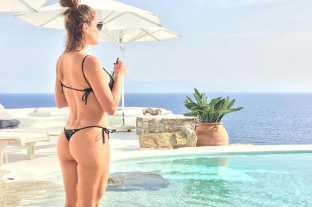 """Otaviano Costa posta foto de corpaço de Flávia Alessandra e baba pela mulher: """"Deusa grega"""" Reprodução/Instagram"""