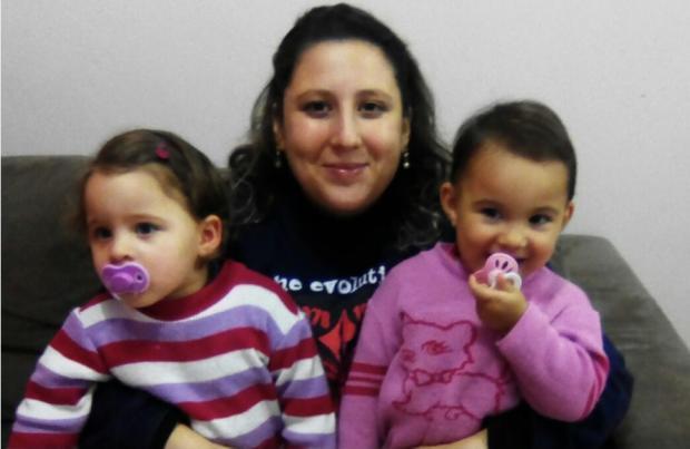 Mãe não consegue vacinar filhas gêmeas em Alvorada Arquivo Pessoal / Arquivo Pessoal/Arquivo Pessoal