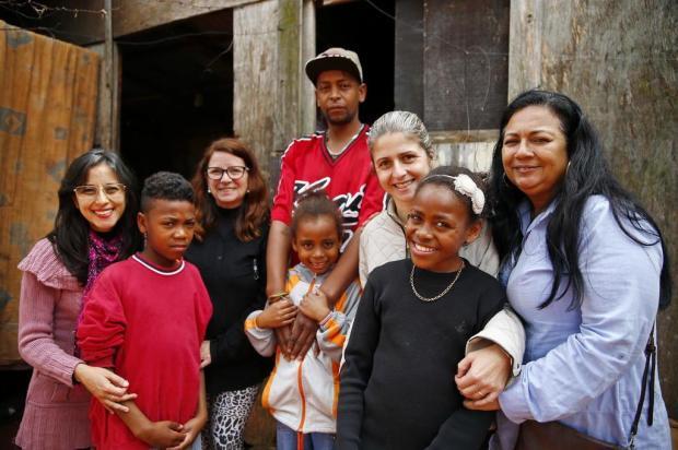 Leitores se mobilizam e vão ajudar escola a construir banheiro para irmãos órfãos Félix Zucco/Agencia RBS