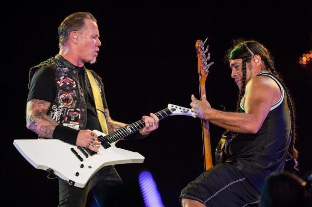 Vocalista do Metallica bebe chimarrão em clipe de nova música YASUYOSHI CHIBA/AFP