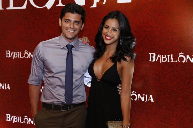 Yanna Lavigne e Bruno Gissoni não querem saber sexo do bebê antes do nascimento AgNews/AgNews