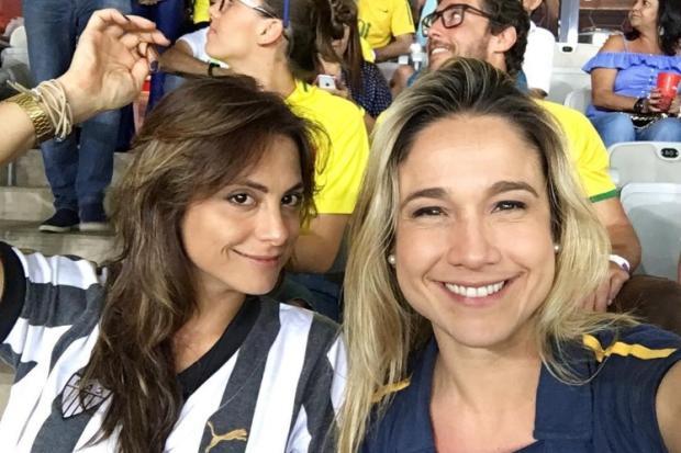 Fernanda Gentil vai a jogo da Seleção Brasileira com a namorada Instagram / Reprodução/Reprodução