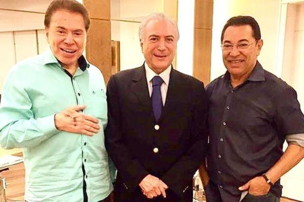 Cabeleireiro posta foto de encontro entre Michel Temer e Silvio Santos Instagram/Reprodução