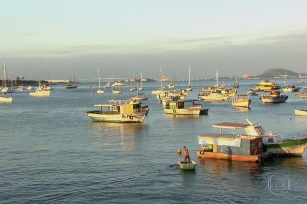 Pescadores encontram dinheiro boiando no mar, no Rio de Janeiro TV Globo / Reprodução/Reprodução