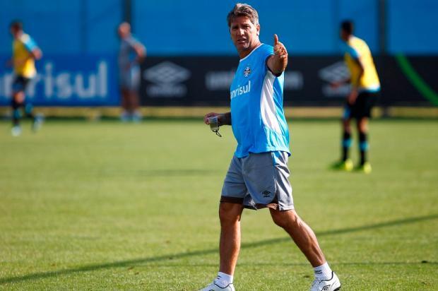 """José Augusto Barros: """"Temos o primeiro reforço para 2017"""" Lucas Uebel / Divulgação Grêmio/Divulgação Grêmio"""