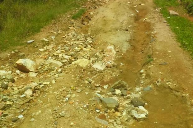 Falta de pavimentação e manutenção periódica em rua de Viamão é motivo de queixa entre os moradores Arquivo pessoal/Leitor/DG