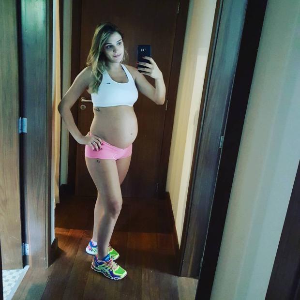 """Rafa Brites mostra barrigão e fala sobre a gravidez: """"Carinho por tudo que envolve este momento"""" Reprodução / Instagram/Instagram"""