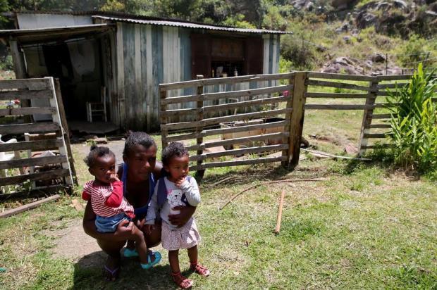 Moradores do Morro Santana temem por novos casos de leishmaniose Fernando Gomes/Agencia RBS