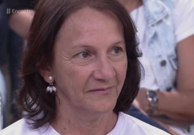 """No """"Encontro"""", mãe do goleiro Danilo desabafa: """"É o abraço que vai me deixar forte e em pé"""" Reprodução / Rede Globo/Rede Globo"""