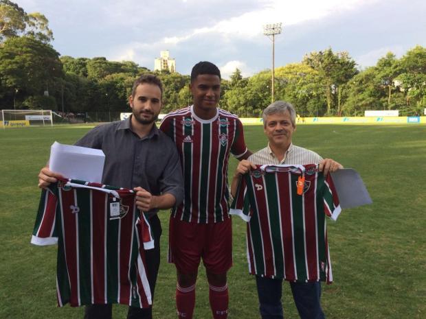 """Zé Victor Castiel: """"Essência da reconstrução"""" Fluminense/Divulgação"""