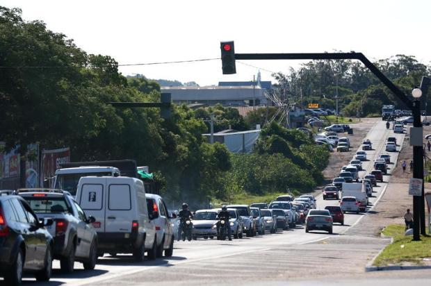 Sinaleira testa paciência de motoristas na ERS-040 Camila Domingues/Especial