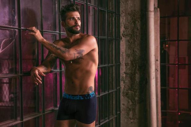 Bruno Gagliasso esbanja sensualidade em campanha de cuecas instagram/Reprodução
