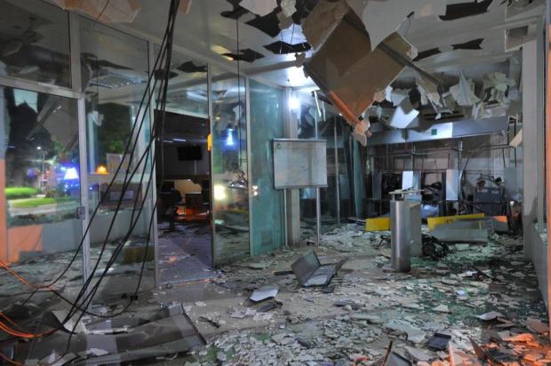 """""""Foi muito pânico"""", conta refém que foi levada por assaltantes de banco em São Sepé Germano Rorato/Agencia RBS"""