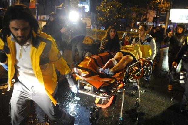 Ataque a discoteca de Istambul deixa ao menos 39 mortos AFP PHOTO/IHLAS NEWS AGENCY