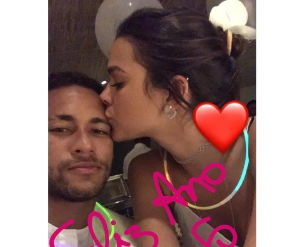 Neymar mostra momento romântico com Bruna Marquezine na virada do ano Instagram / Reprodução/Reprodução