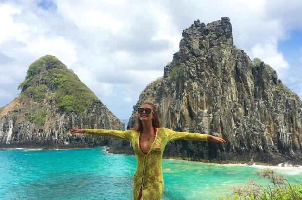 """Marina Ruy Barbosa publica foto em paisagem paradisíaca: """"Serumaninho feliz"""" Instagram/Reprodução"""