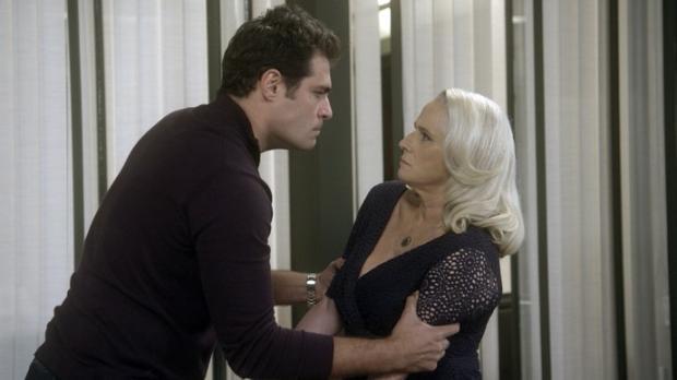 """""""A lei do amor"""": Ciro descobre que Mág matou Beth e jura vingança TV Globo / Reprodução/Reprodução"""