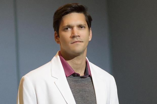 """Menos um: Armando Babaioff deixa o elenco de """"A Lei do Amor"""" Mauricio Fidalgo/TV Globo/Divulgação"""