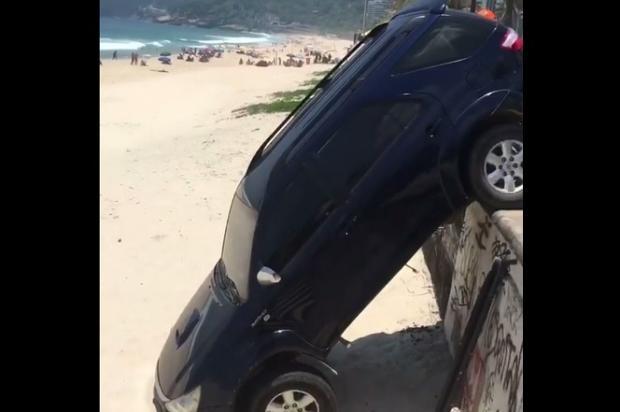 Filho de Marcello Novaes e Letícia Spiller se envolve em acidente de carro em praia carioca Reprodução / Facebook/Facebook