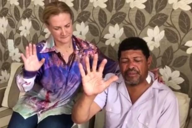 Líder da Igreja Mundial do Poder de Deus leva facada no pescoço durante culto em São Paulo Reprodução / Facebook/Facebook