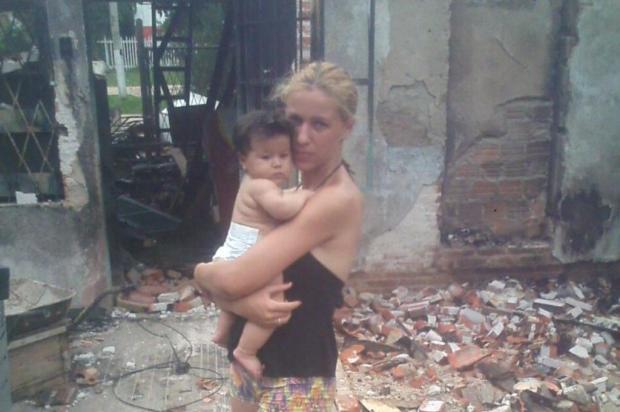 Família de Viamão que perdeu tudo em incêndio no Ano-Novo precisa de ajuda para recomeçar a vida Arquivo pessoal/Leitor/DG