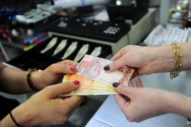 Procon faz alerta sobre lei que permite descontos para compras em dinheiro e à vista Porthus Junior/Agencia RBS