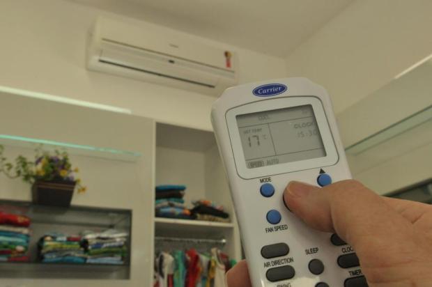 Por que vale mais a pena deixar o ar-condicionado em 23ºC do que em temperaturas mais baixas Piero Ragazzi/Agencia RBS