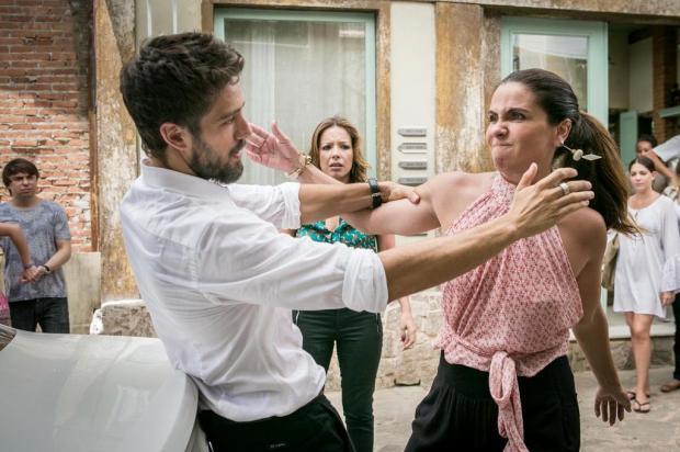 """Michele Vaz Pradella: """"Chegou a hora de desmascarar os vilões"""" Raquel Cunha/TV Globo/Divulgação"""