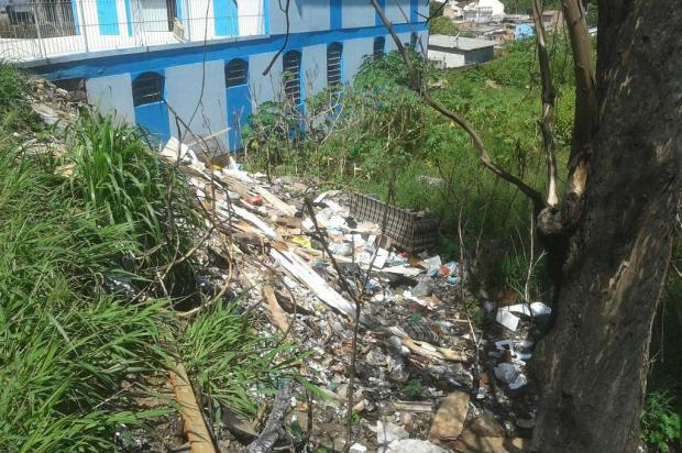 Terreno da prefeitura de Porto Alegre virou lixão a céu aberto Arquivo pessoal/Leitor/DG