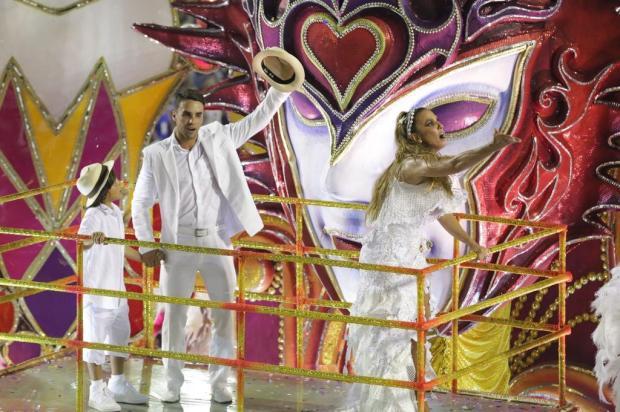 Ivete Sangalo, Sabrina Sato e Xuxa: primeiro dia do Carnaval do Rio foi um show de beleza AgNews/AgNews