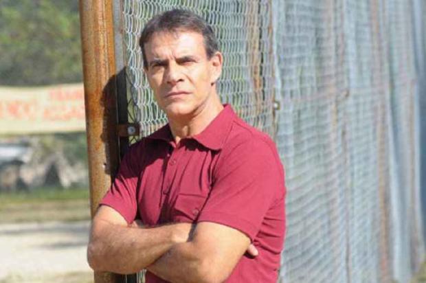 Ex-galã de novela, ator Mário Gomes vende xis em praia do Rio Munir Chatak / Divulgação/Divulgação