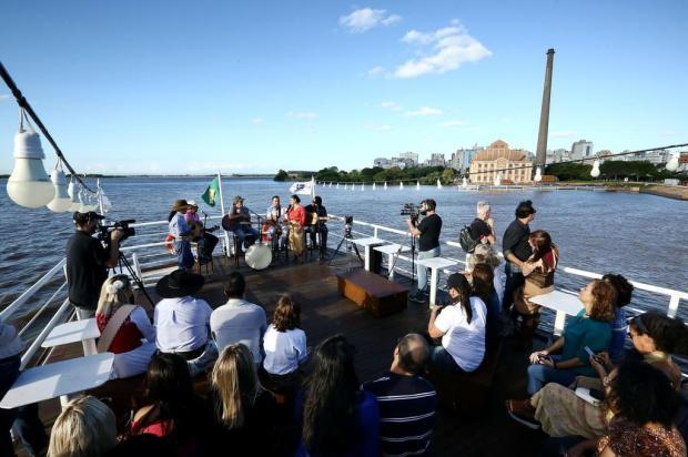 """""""Galpão Crioulo"""" celebra aniversário de Porto Alegre no barco Cisne Branco Carlos Macedo/Agencia RBS"""