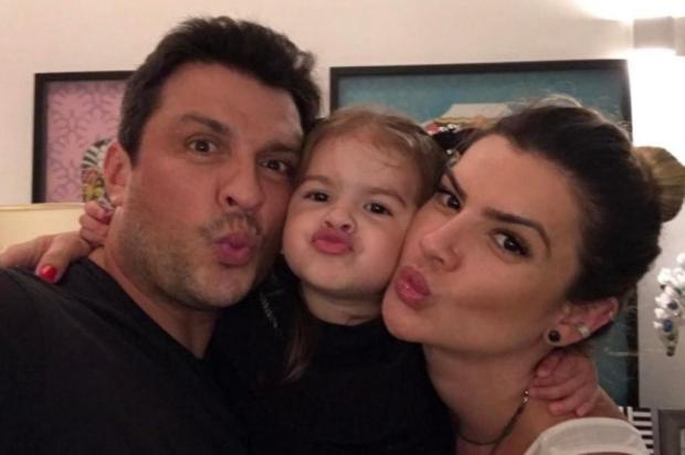 """VÍDEO: Valentina, filha do humorista Ceará, chama a mãe Mirella Santos de """"barriguda"""" e diverte fãs Reprodução/Instagram"""