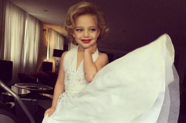 """Sheila Mello recebe críticas por escolher """"tema adulto"""" para aniversário da filha de quatro anos Instagram/Reprodução"""