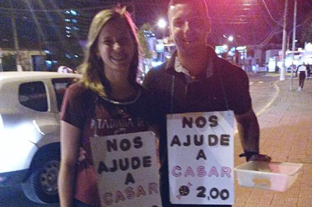 Casal vende trufas em sinaleira de Gravataí para pagar festa de casamento Milena Tietbohl / Moça de Concreto/Moça de Concreto