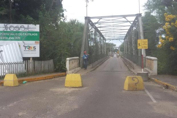 Dois anos após queda de ponte, Jaguari continua partida ao meio arquivo pessoal/arquivo pessoal
