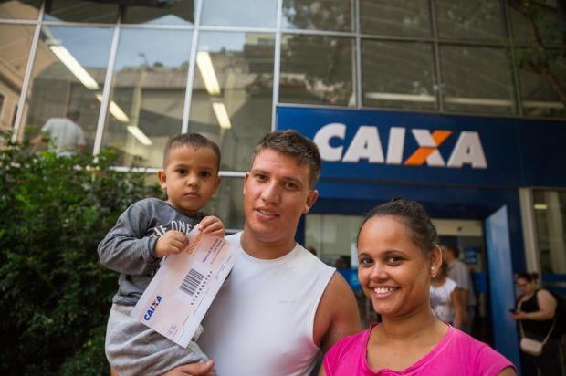 Agências da Caixa têm filas para saque do FGTS inativo Omar Freitas/Agencia RBS