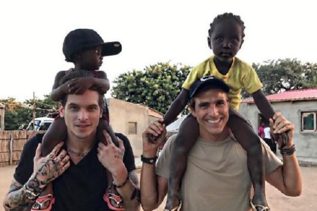 """ReynaldoGianecchini viaja com amigo para a África e afirma: """"Não somos um casal"""" Reprodução / Instagram / Reynaldo Gianecchini/Instagram / Reynaldo Gianecchini"""