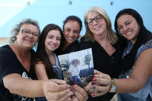 Família presta homenagem a fã do Diário Gaúcho e o sepulta com um exemplar do jornal Tadeu Vilani/Agencia RBS