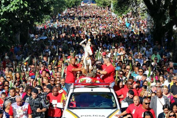 Devotos de São Jorge participam de procissão e festa na Capital André Feltes/Especial