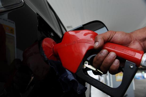 Preço da gasolina nas refinarias da Petrobras será reduzido a partir desta terça Lucas Correia/Agência RBS